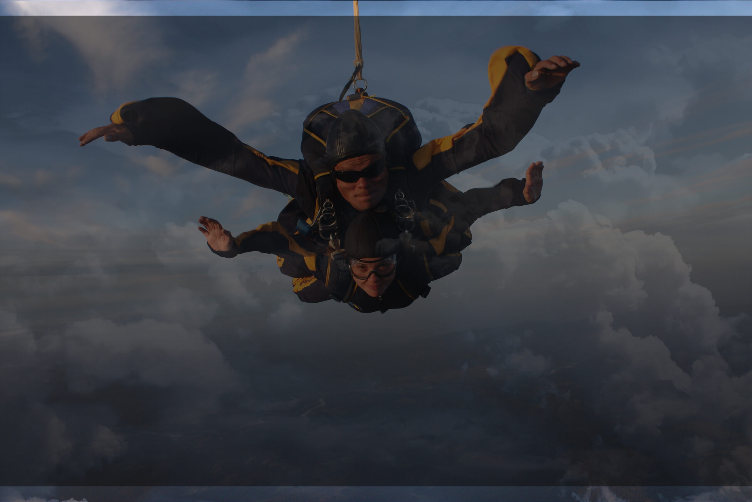 skok s padalom v tandemu